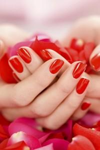 Atrakcyjny i trwały manicure